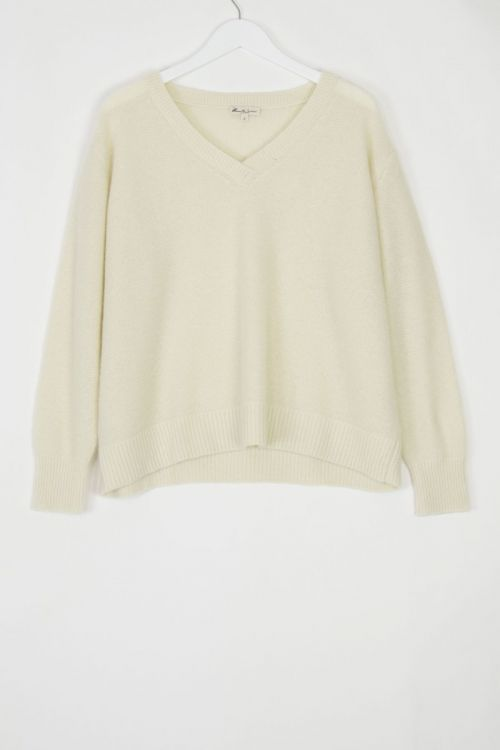 Cashmere V-Neck Pullover Coco by Manuelle Guibal