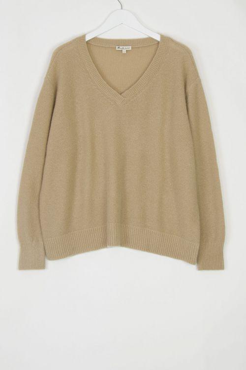 Cashmere V-Neck Pullover Walnut by Manuelle Guibal-S