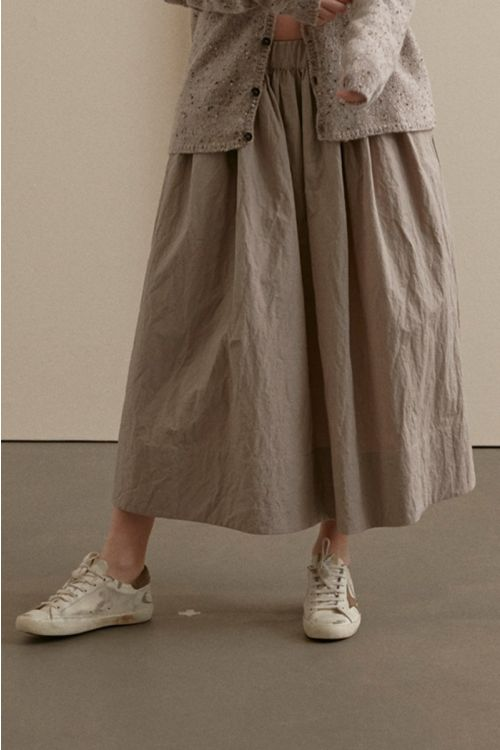 Long Pleated Skirt Sand by ApuntoB-XS