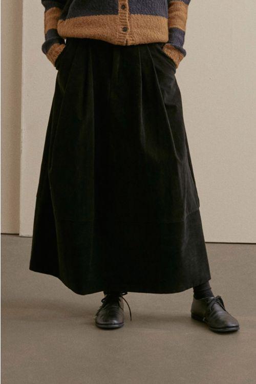Long Cord Skirt Black by ApuntoB-XS