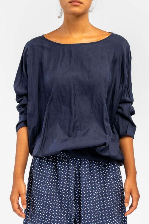 Silk Blouse Navy Blue by ApuntoB