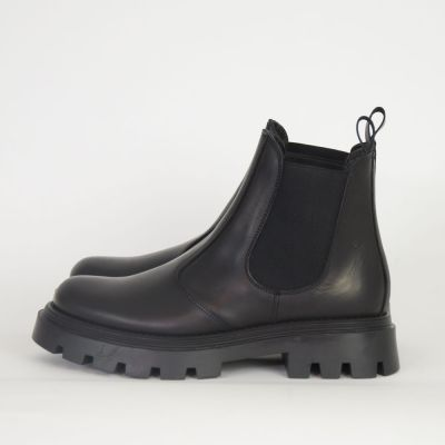 Chelsea Leather Boots Black by Gallucci