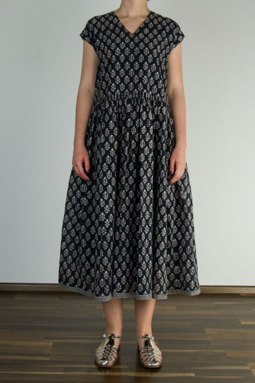 Dress Beige Print/Navy Base by Maison de Soil