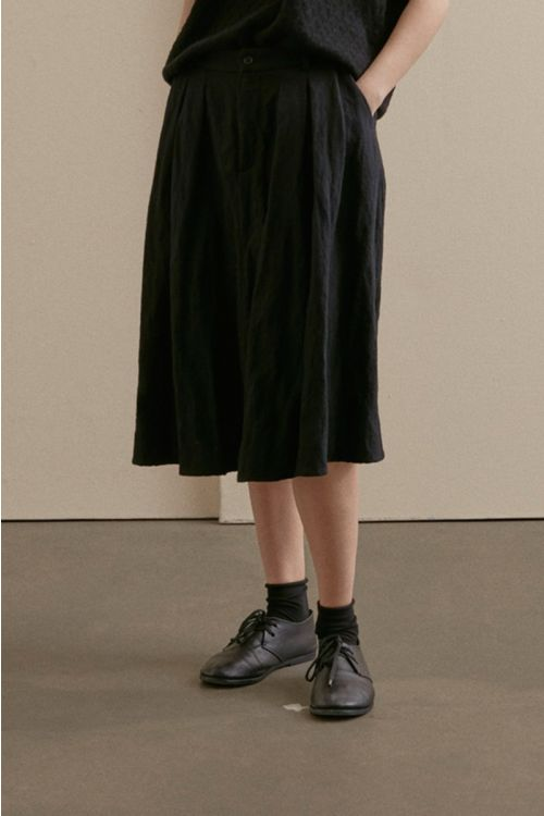 Woolen Skirt with Pleated Details by Apuntob